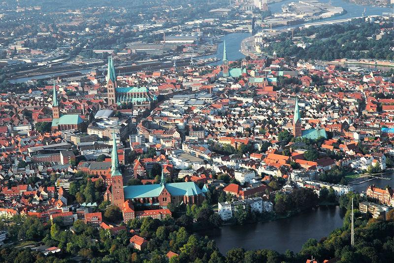 eine Luftaufnahme von Lübeck