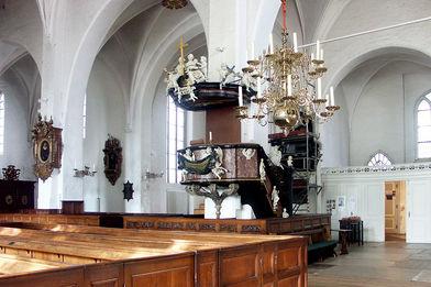 Die an eine Säule befindliche Kanzel mit Aufgang in St. Aegidien